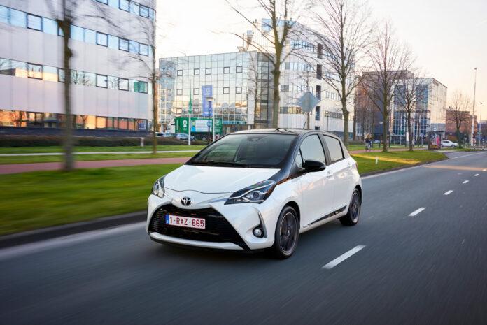 Тест-драйв Toyota Yaris 2017
