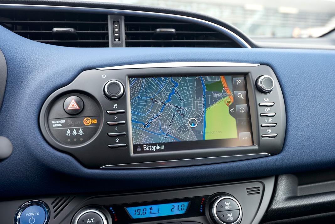 Мультимедийная система Toyota Yaris 2017