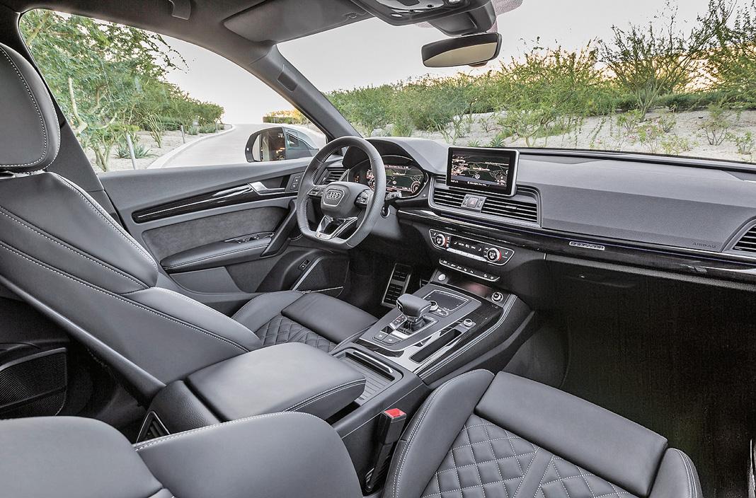 Интерьер Audi Q5 2017