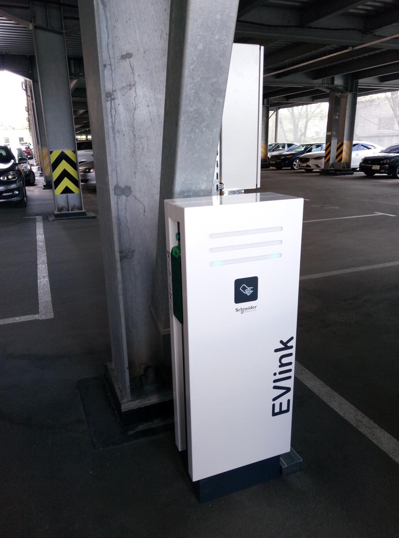Renault электромобили инфраструктура
