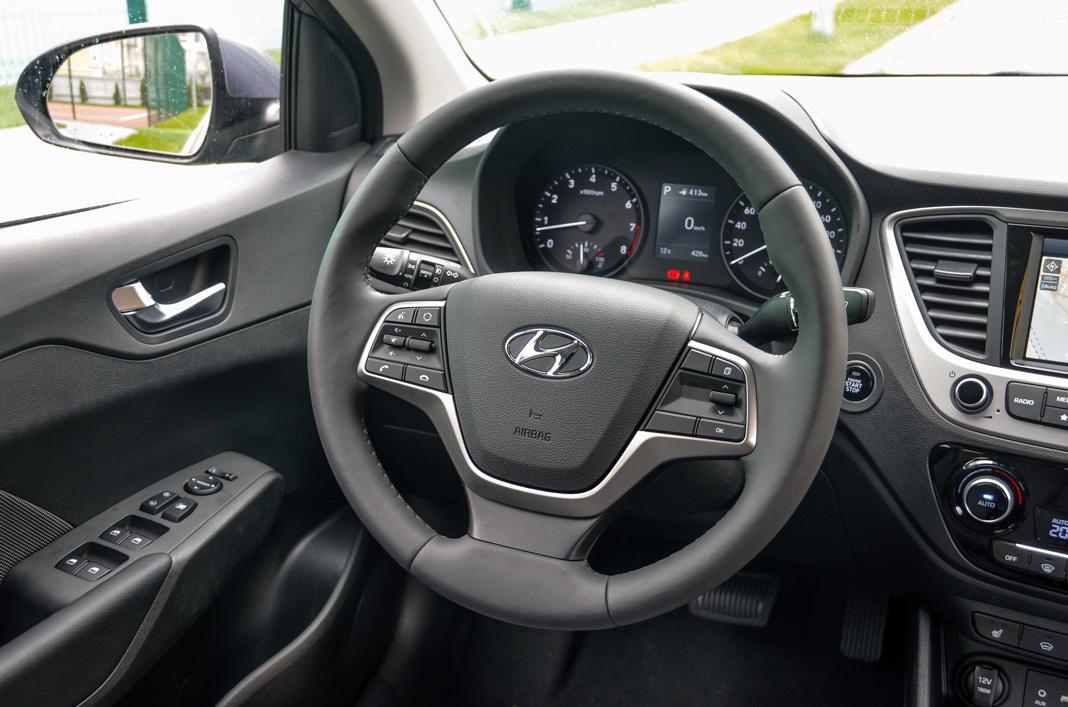 Интерьер Hyundai Accent 2017