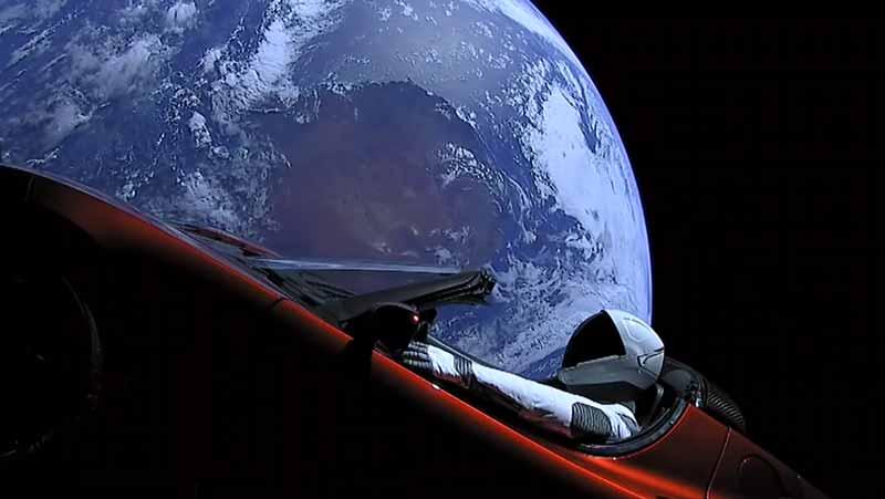 Tesla в космосе