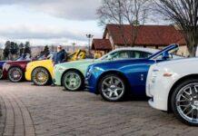 12 Rolls-Royce разных цветов