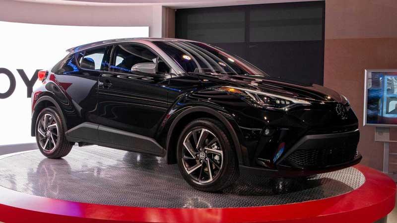Рестайлинг принес Toyota C-HR новые моторы