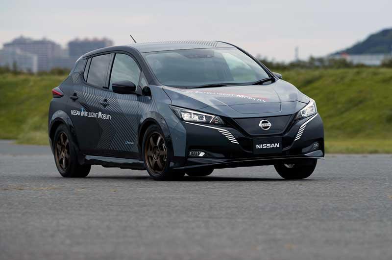 Nissan тестирует Leaf с полным приводом и двумя электромоторами