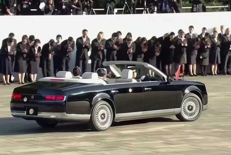 Toyota построила для нового императора Японии роскошный кабриолет