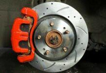 Замена тормозных дисков: лайфхаки, нюансы и подводные камни