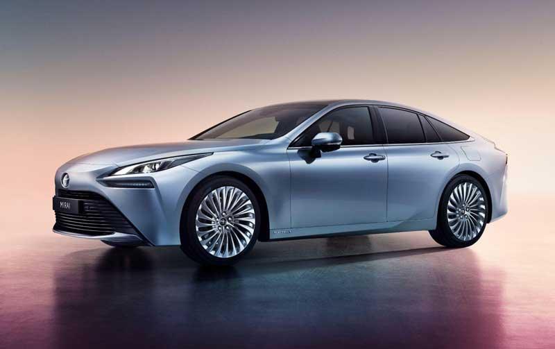 Toyota представила второе поколение водородного Mirai