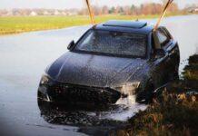 В Нидерландах утопили в реке новейший Audi RS Q8