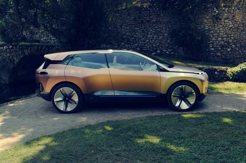 Будущий электрокроссовер BMW получит умные стекла