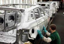 Jaguar Land Rover остановит три завода в Великобритании