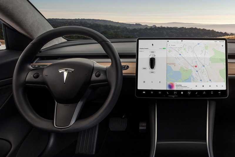 Tesla перенесет управление трансмиссией на руль