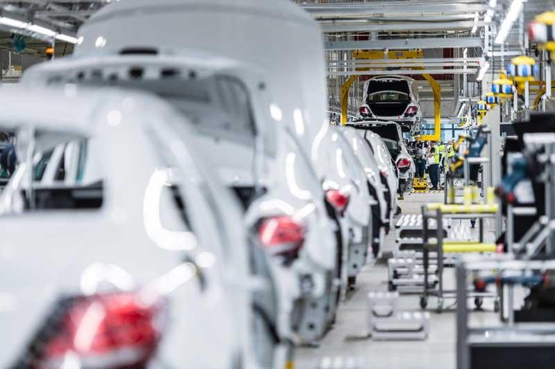 Mercedes-Benz уволит 15 тысяч сотрудников и сократит модельный ряд