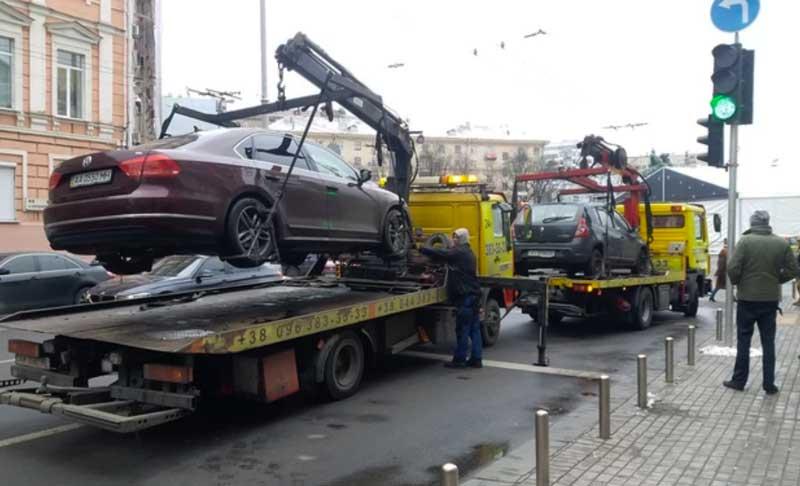 За что могут эвакуировать автомобиль
