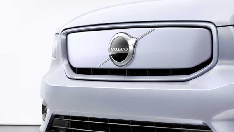 Volvo готовит к премьере новые кроссоверы C40 и XC100