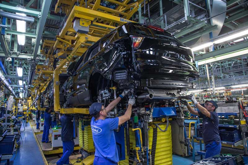 Ford остановил сборку автомобилей в Испании из-за коронавируса