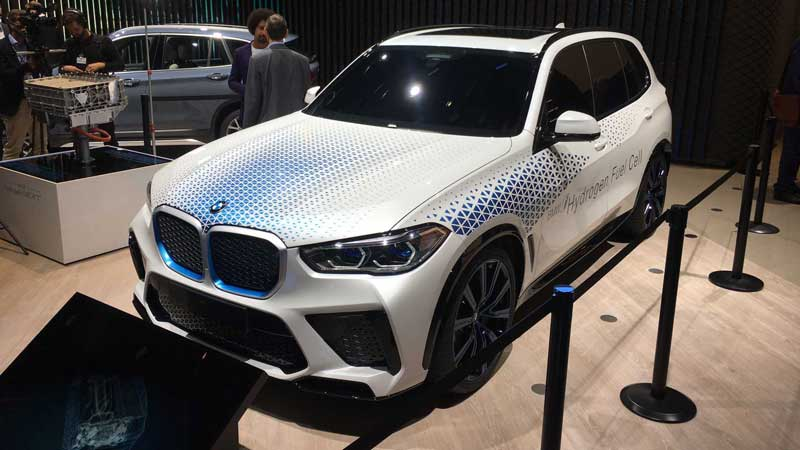 BMW обнародовала характеристики водородного X5