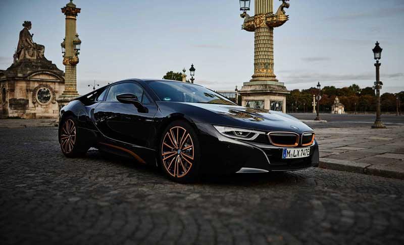 BMW официально прощается с гибридом i8