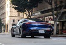 """В Porsche не считают """"Теслу"""" конкурентом"""