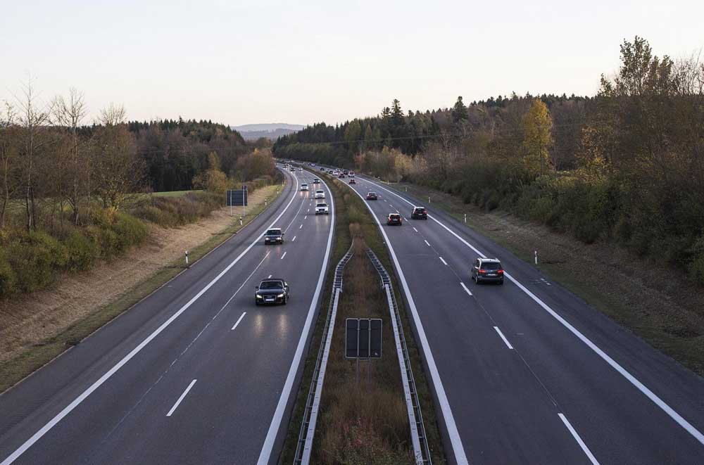 В Европе рухнули продажи новых автомобилей