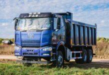 FAW выводит на украинский рынок новый большегрузный самосвал