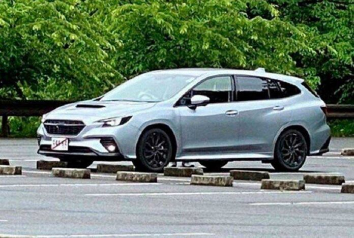 Новый универсал Subaru Levorg сфотографировали без камуфляжа