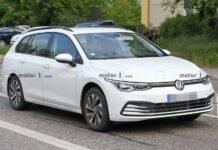 Новый Volkswagen Golf Variant впервые заметили на тестах