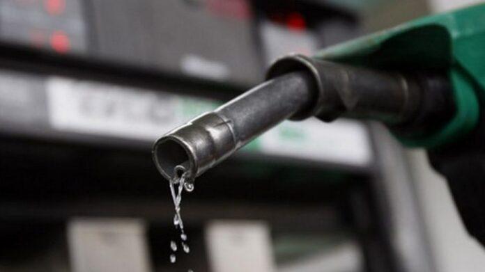 Депутаты предлагают разбавлять топливо биоэтанолом