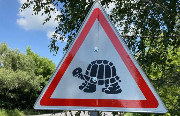 В Полтавской области устанавливают странные дорожные знаки