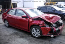 В Украине могут запретить битые авто с американских аукционов