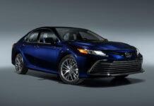Toyota обновила американскую Camry