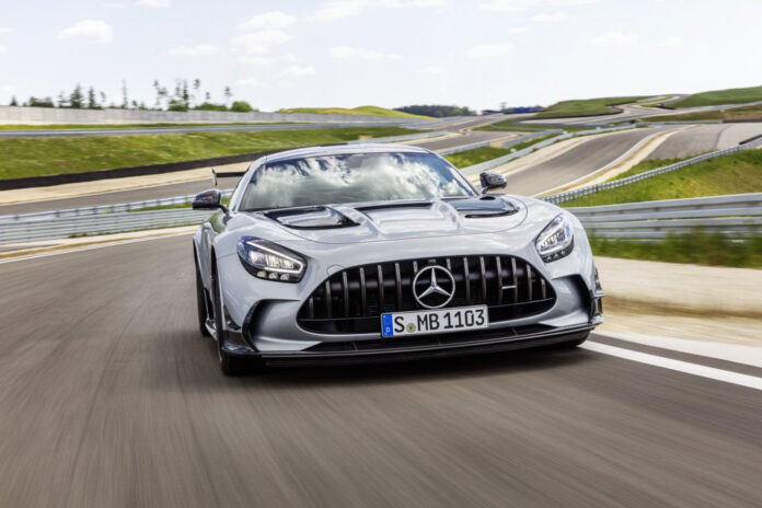 Mercedes-AMG представил спорткар GT Black Series