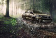 Обновленный Toyota Hilux уже на пути в Украину