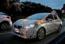 Новое поколение Nissan Note сфотографировали во время испытаний