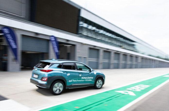 Электрический Hyundai Kona проехал 1000 км без подзарядки