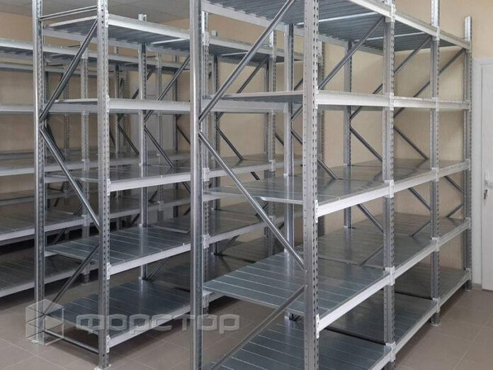 Полочные стеллажи для гаражей: конструктивные особенности и критерии выбора