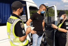 Обязан ли водитель подписывать постановление про наложение штрафа?