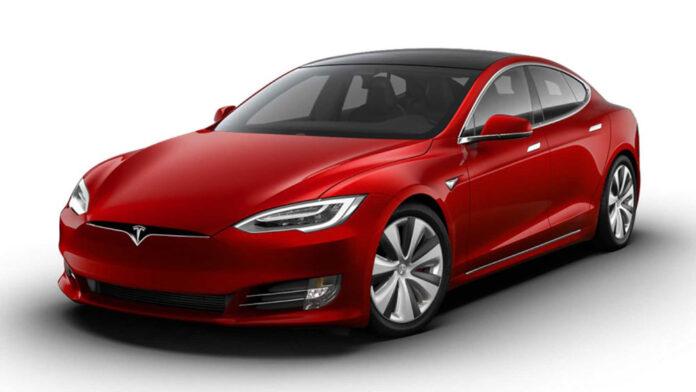 Tesla представила автомобиль с самым большим запасом хода в мире