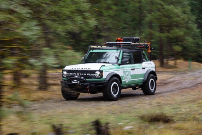 Ford Bronco получит версию с пожарным шлангом, бензопилой и лебедкой