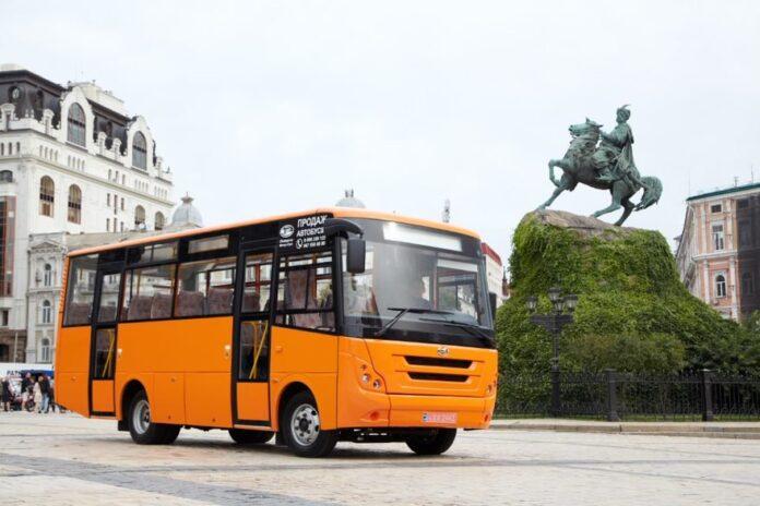 ЗАЗ презентовал новый пригородный автобус