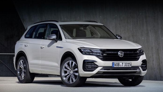 Volkswagen Touareg получил функцию парковки без водителя