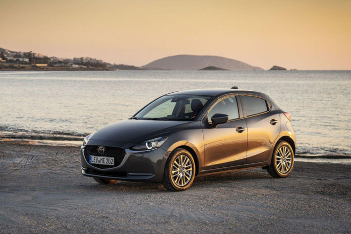 Новая Mazda2 для Европы будет копией Toyota Yaris