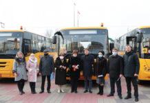ЗАЗ передел шестую партию школьных автобусов Запарожским общинам