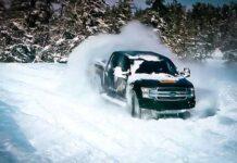Электрический Ford F-150 показал дрифт на снегу