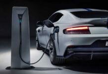 Aston Martin обвинили в антирекламе электромобилей