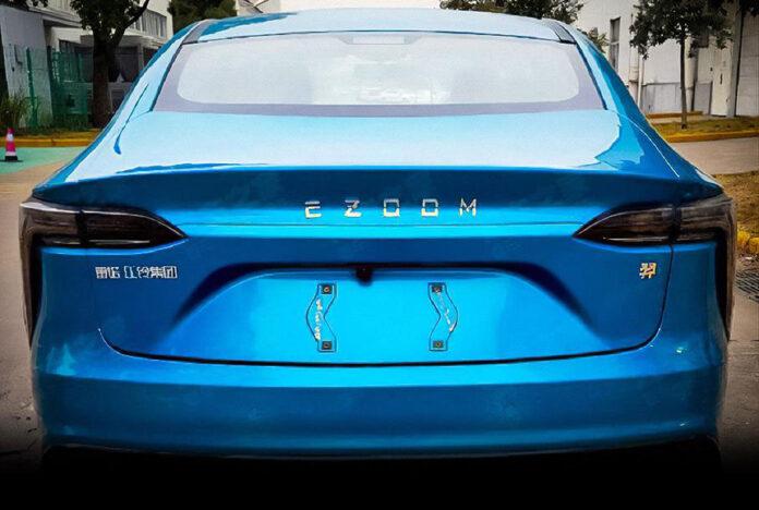 В Китае заметили новый электрокар, который имеет отношение к Renault