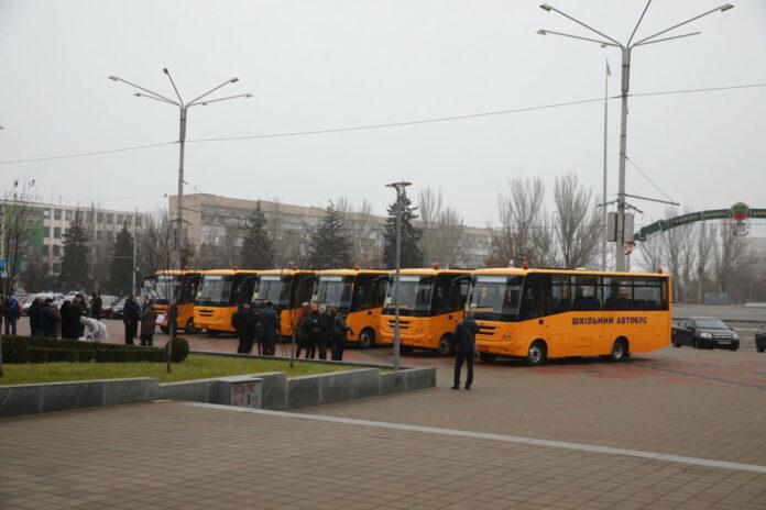 ЗАЗ закрыл договор поставки 30 школьных автобусов для Запорожской ОГА