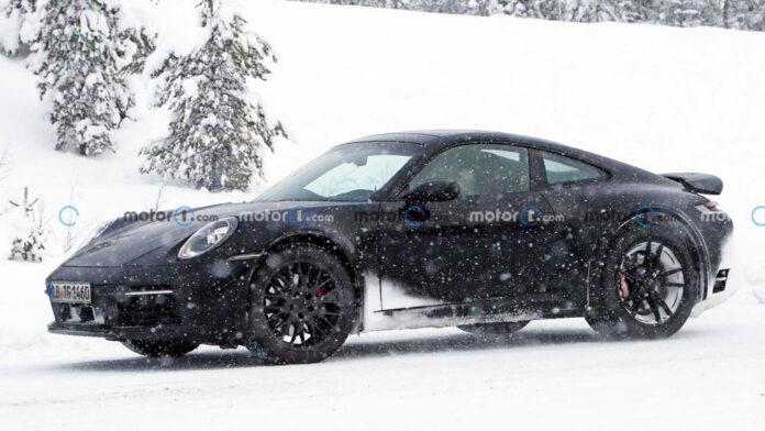 На зимних тестах заметили внедорожную версию Porsche 911