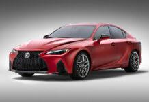 Седан Lexus IS получил 5-литровый V8