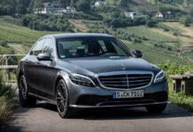 Mercedes-Benz отзывает сотни тысяч автомобилей из-за риска возгорания